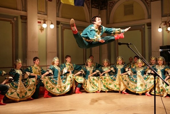 Русские узоры ансамбль танца